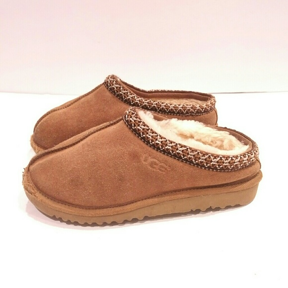 9e84e049e67 Ugg Tasman Kids size 4 slip on slipper shoe boot